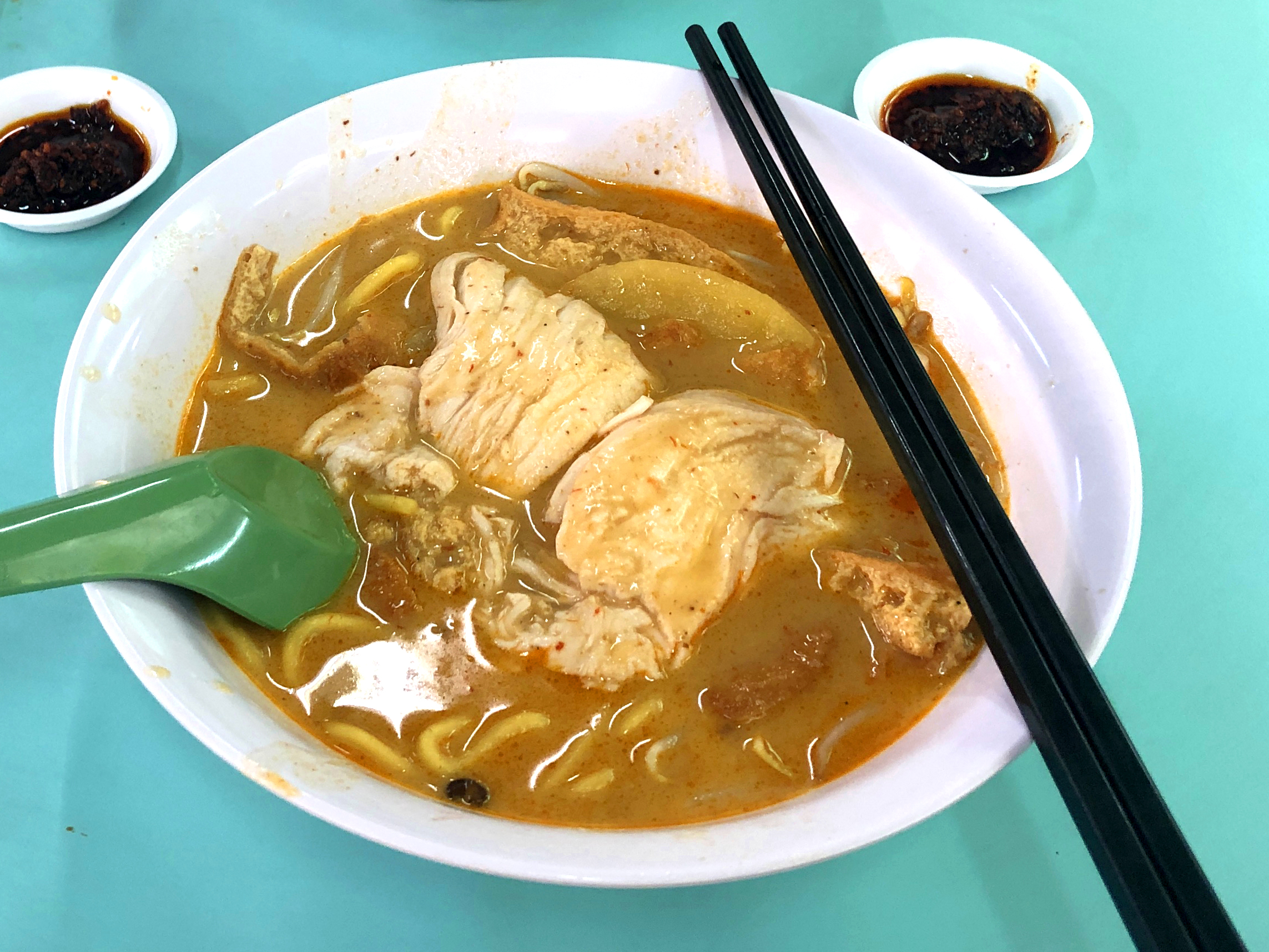 The Ultimate Hawker Food Michelin Guide: Ah Heng Curry Chicken Bee Hoon Mee